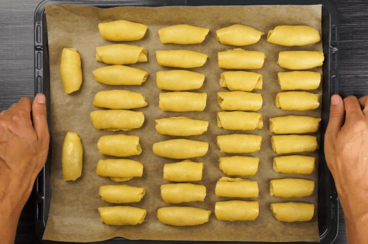 Вкусные домашние рогалики с яблоком в духовке - рецепт пошаговый с фото