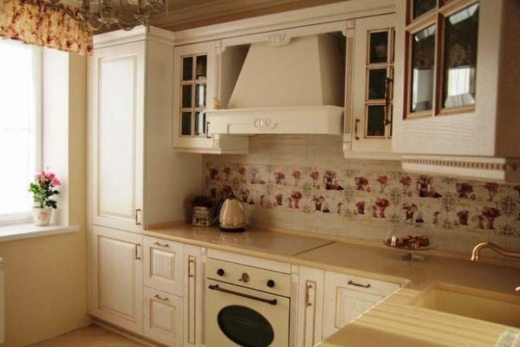 маленькая кухня во французском стиле