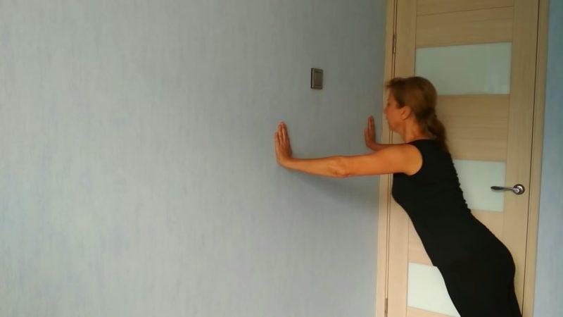 Всего одно упражнение для красивых рук, живота и спины