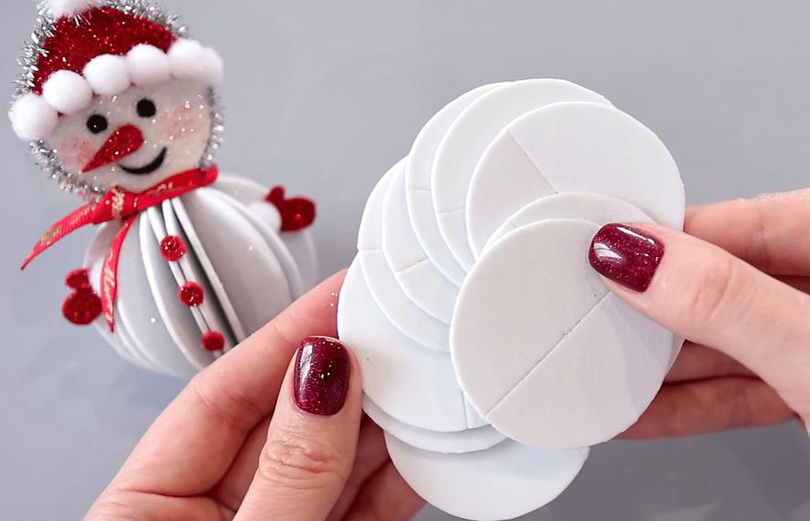Объемные снеговики: предельно простая техника — харизматичный результат