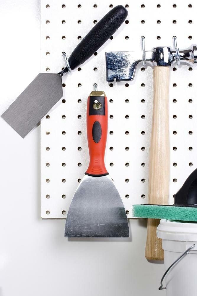 использование крючков в мастерской