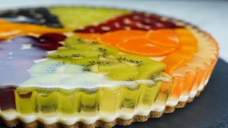 Идеальный легкий десерт: тарт с медовым желе и фруктами
