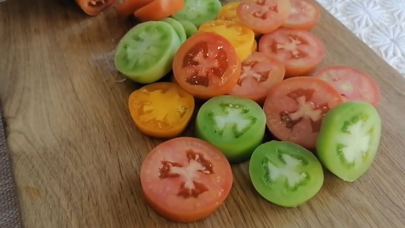 Зелёные помидоры на зиму вкуснее спелых. Салат-закуска лучше не придумаешь